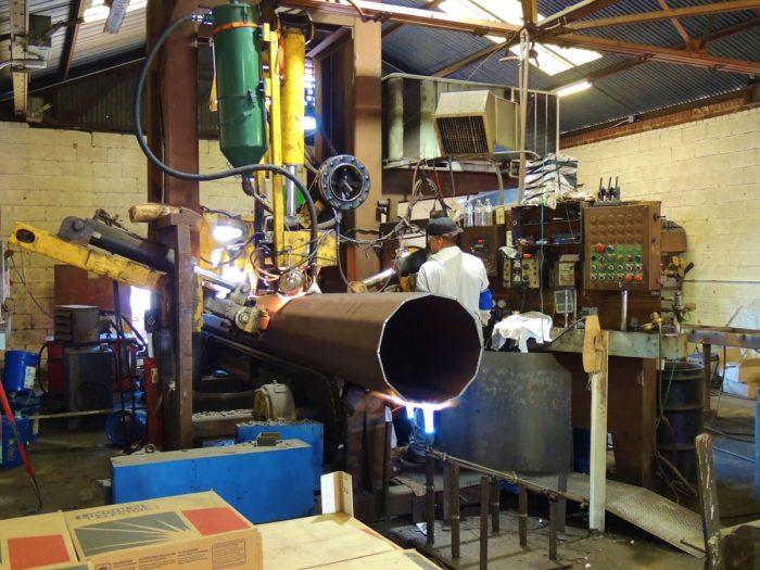 Tapertube Welder (Equipment08)